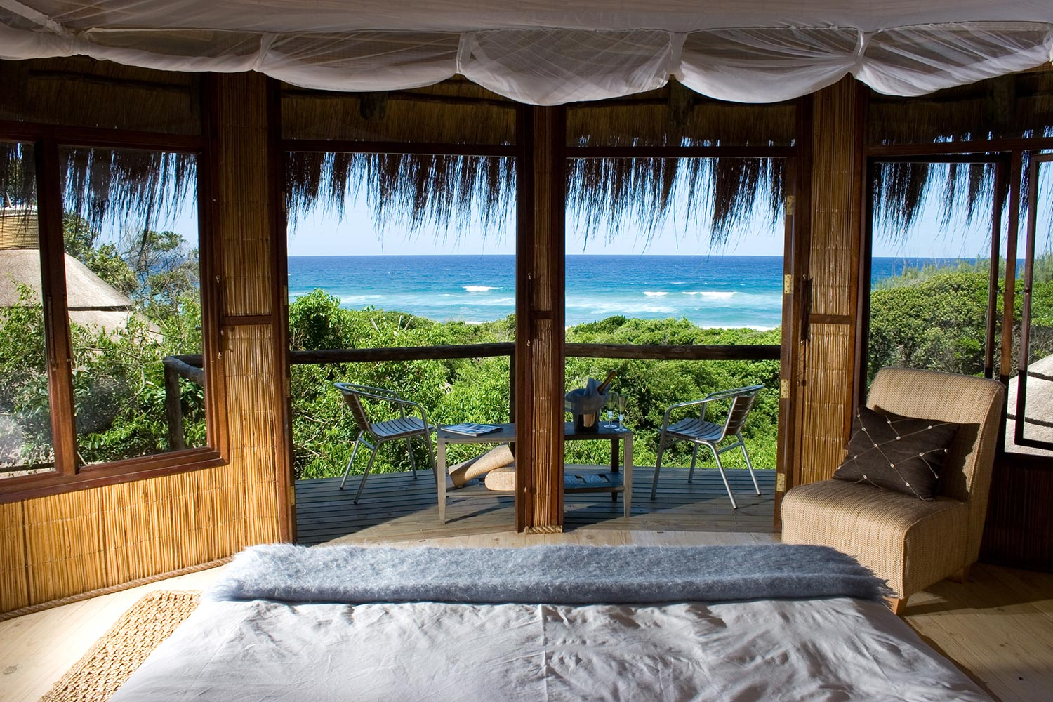 Luxury Beach Resort - Thonga Bedroom Ocean View